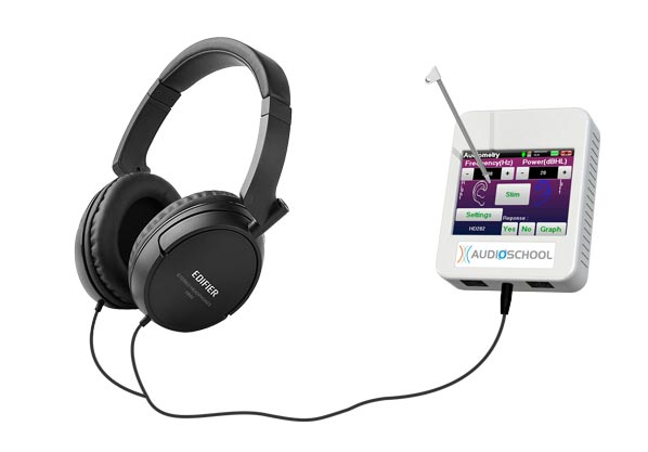 Audioschool device with standard headset